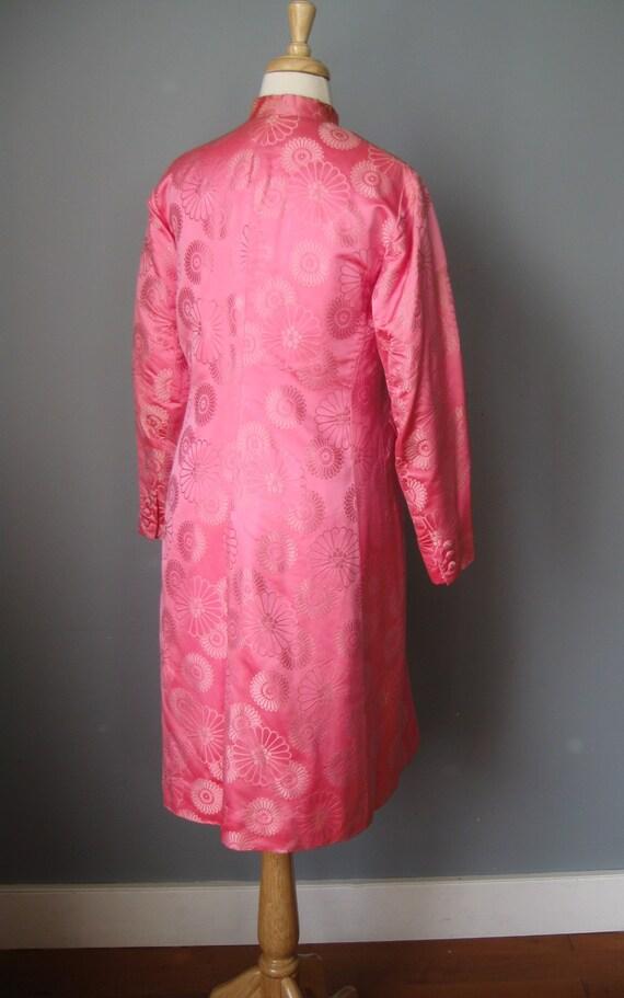Brocade Evening Coat / Vtg 60s /Dynasty Bright Pi… - image 6