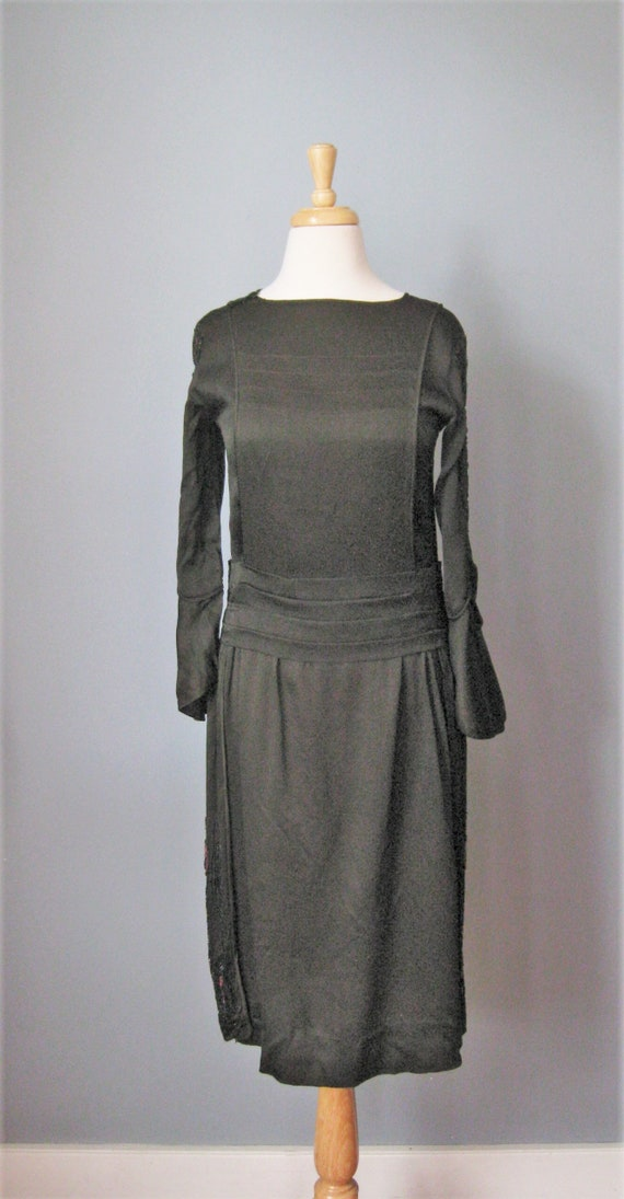 Beaded Black Dress / Vtg 20s / Dropped waist Beade