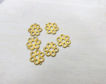Daisy Charms - Brass Daisy Charms - Set Set of 6 Brass Charms - SP-153