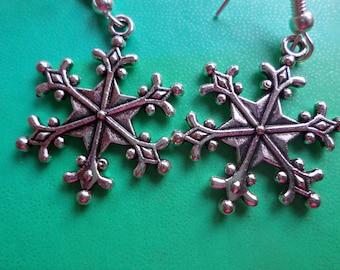 Silver earrings, snowflake, gift idea.