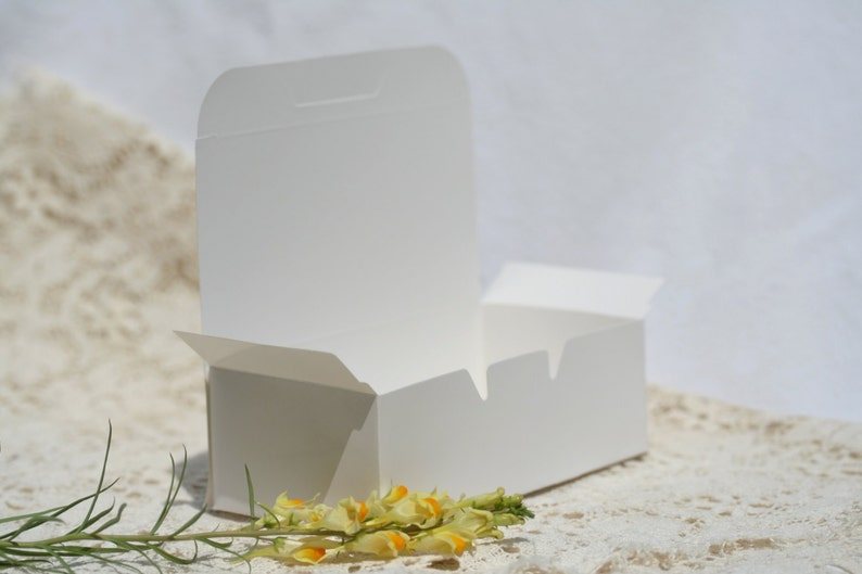 36 Cake Boxes Favor Boxes 5.5 by 1.75 Inches Wedding Cake Box image 0