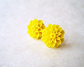 Yellow Flower Studs, Big Flower Earrings, Yellow Chrysanthemum, Stud Earrings, Sunflower Earrings, Resin Flower Jewelry, Cute Stud
