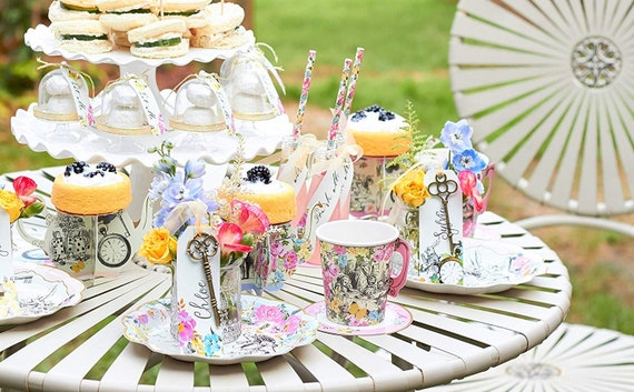TRULY ALICE Talking Tables Mad Hatter Tea Party Drink Me Set