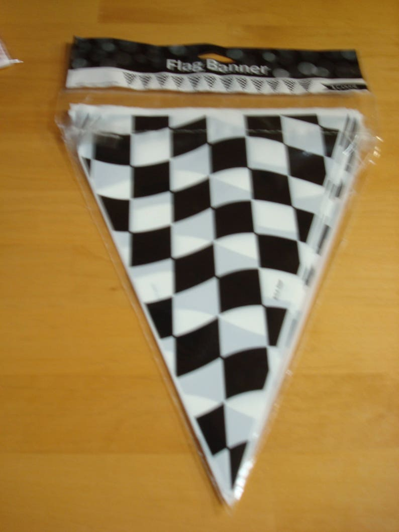 Alice in Wonderland WE/'RE ALL MAD HERE PENNANT BANNER 12/' feet Party Decoration