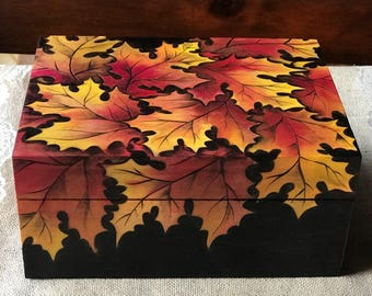 Autumn Oak Leaves Box - woodburned by hand, pyrography art MADE TO ORDER