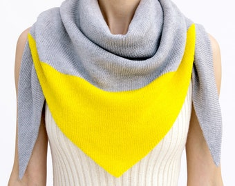 triangle scarf, grey, yellow, camel, color block, knit scarf, knit triangle scarf, scarf, shawl, color block scarf, knitwear, THE KNIT KID