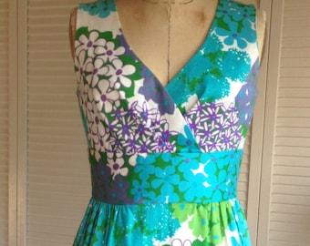 1960s Cotton Pique Hydrangea Print Sleeveless Dress