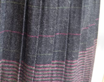 7ba0b6fd4 Wool Grey Pleated Skirt with Stripe Border