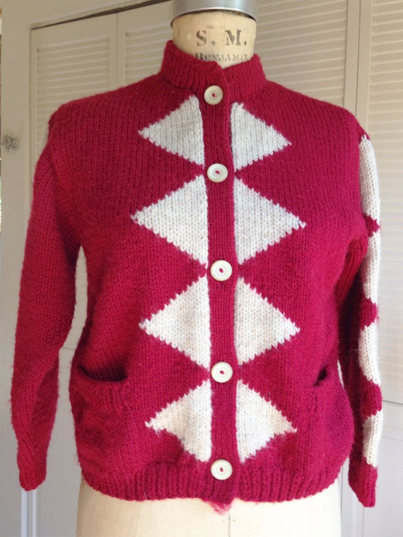 1940s Red Diamond Wool Hand Knit Cardigan - image 3