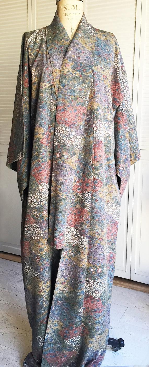 Vintage 1950s Grey Muted Floral Silk Kimono