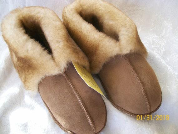 Genuine  Handcrafted LADIES Sheepskin Slippers....LADIES.Small. Medium.Large...NWT...