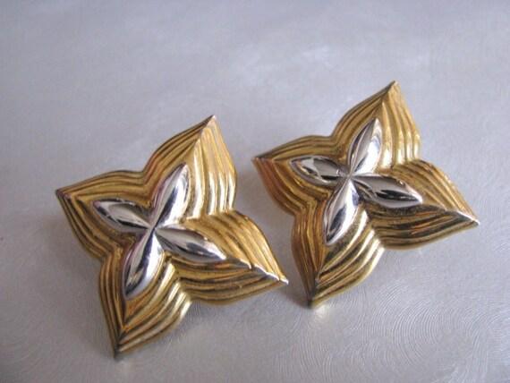 Monet Star Earrings - Post Earrings - Collectible… - image 1