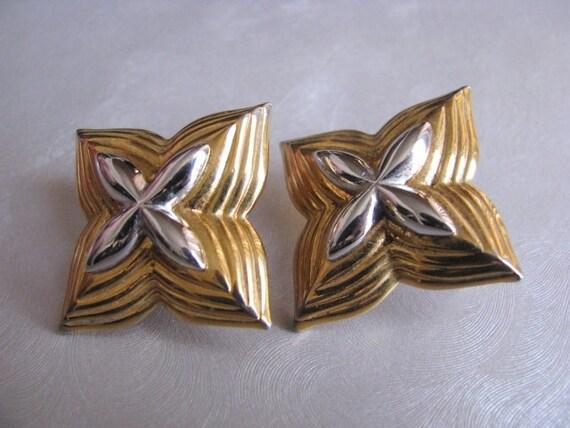 Monet Star Earrings - Post Earrings - Collectible… - image 5