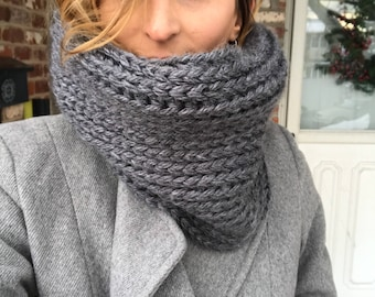 Knit-style Neckwarmer / Crochet Cowl / Charcoal Gray / Gray Scarf
