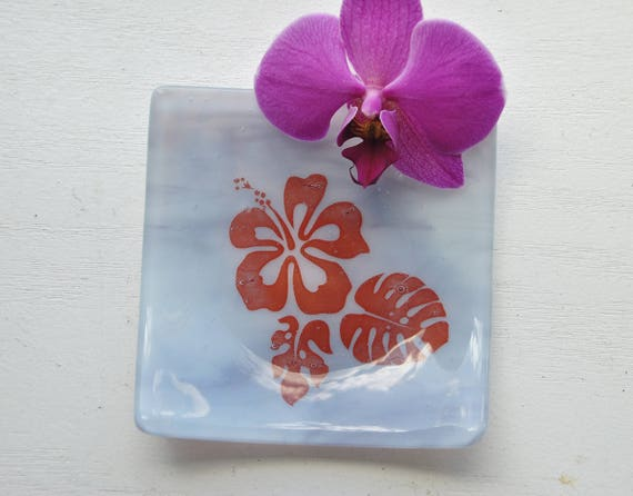 Hibiscus Glass Dish/Plate (Lavender/Purple)
