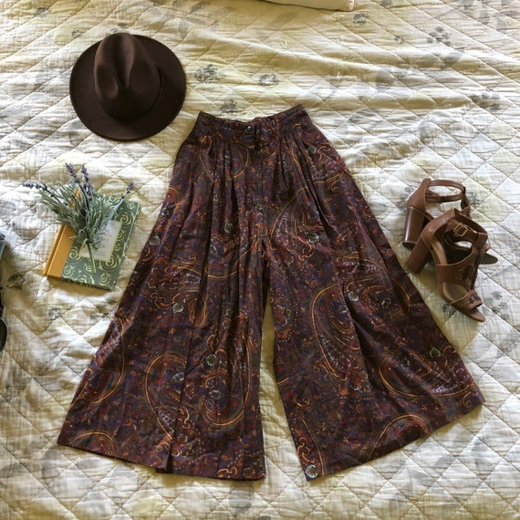Vintage High Waist Paisley Gaucho Pants, Vintage 7