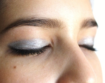 SILVER FROST Mineral Eye Shadow: Natural Vegan Makeup Color, Large Size