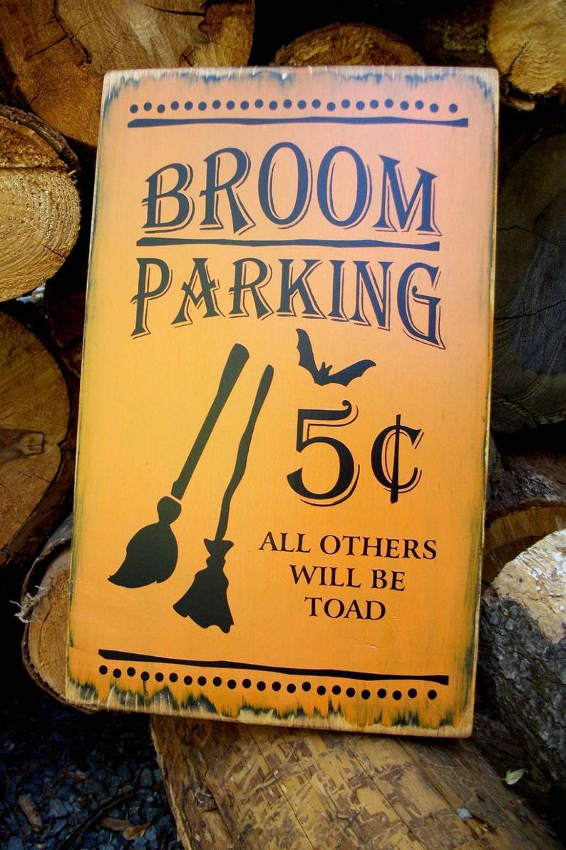 e825e3bc294e SIGNO de madera HALLOWEEN escoba Parking truco o convite 31
