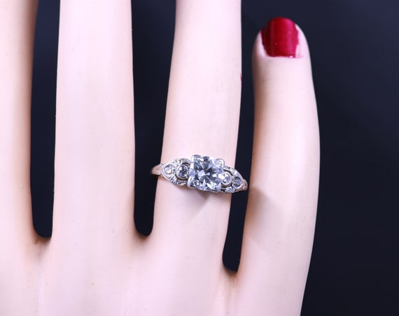 Vintage Platinum and Diamond Ring - image 5
