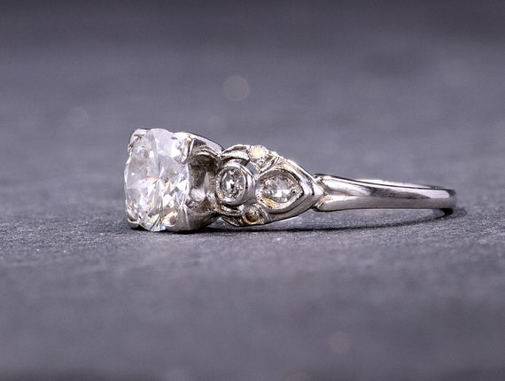 Vintage Platinum and Diamond Ring - image 2