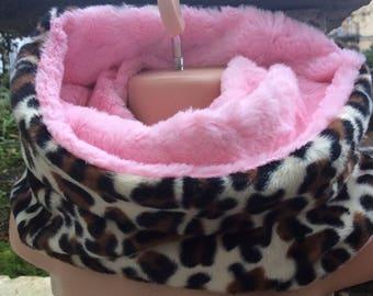 Girls Pink Leopard Snood, Childs Scarf, Girls Pink Scarf, Neck Warmer, Fluffy Snood, Reversible Snood, Baby Snood, Baby Scarf, Fluffy Scarf