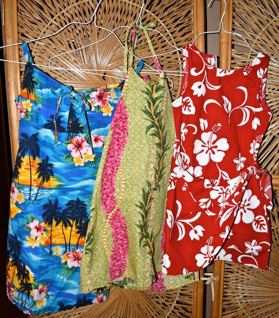 Ready for the beach! Three adorable childrens Hawa