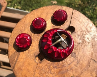 Vintage High Quality Carved Button and Buckle Set