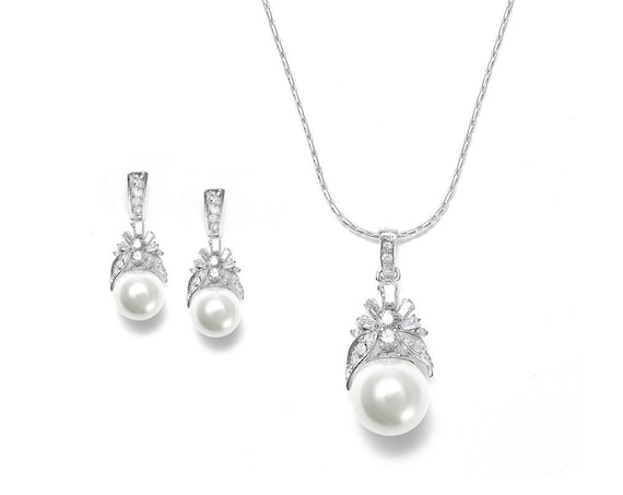Wedding Necklace and Earrings Set, Art Nouveau design Bridal Necklace Set, CZ Baguettes with Soft Creme Pearl Necklace and Earrings