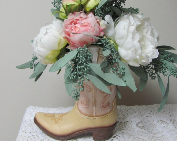 Flower Vase, Country Girl Boot Vase, Boot Vase with Flowers, Western Gal Floral Arrangement, Drop In Floral Bouquet Western Boot Arrangement