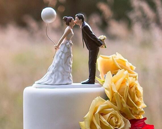Wedding Cake Topper, Bride and Groom Cake Topper, Balloon Couple Kissing Cake Topper