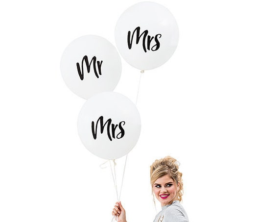 3 Mrs Wedding Balloons, 3 White Wedding Balloons with Mrs On Front, Wedding Decorations Balloons, 17 Inch Balloons