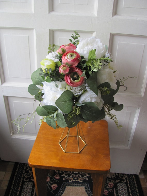 Wedding Centerpiece, Metal Stand with Handmade Floral Arrangement, Wedding Floral Centerpiece Arrangement, Faux Wedding Centerpiece