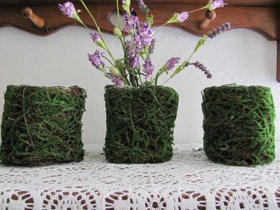 Moss Easter Craft Planters, 4 Moss Plastic Lined Baskets, Easter Crafts, Party Containers, Planters