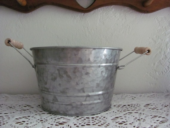 8 Rustic Event Planters, Wedding Centerpiece Flower Pots, Tin Party Centerpiece Planters, Galvanized Tin Wash Tub Planters
