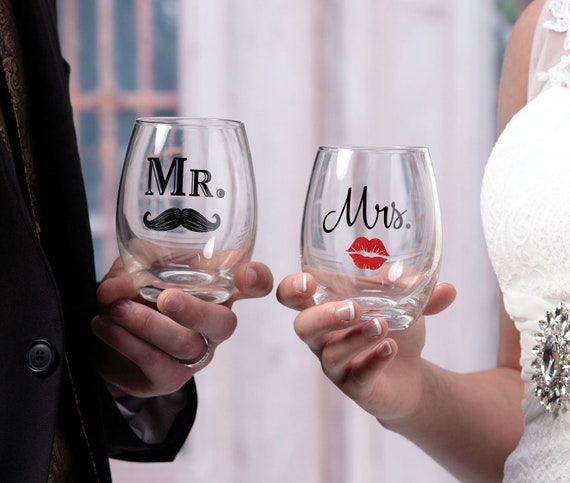 Mr Mrs Wine Toasting Glasses, Wedding Tableware, Reception Glasses for Bride and Groom