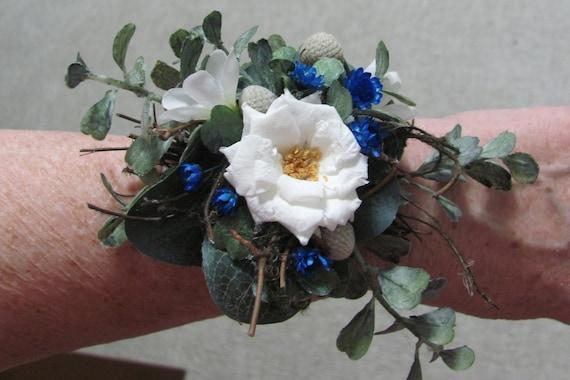 Wrist Corsage, Floral Bracelet, Flower Corsage for Wrist, Bracelet Corsage, Woodland Bridal Corsage, Boho Wrist Corsage, Flower Bracelets