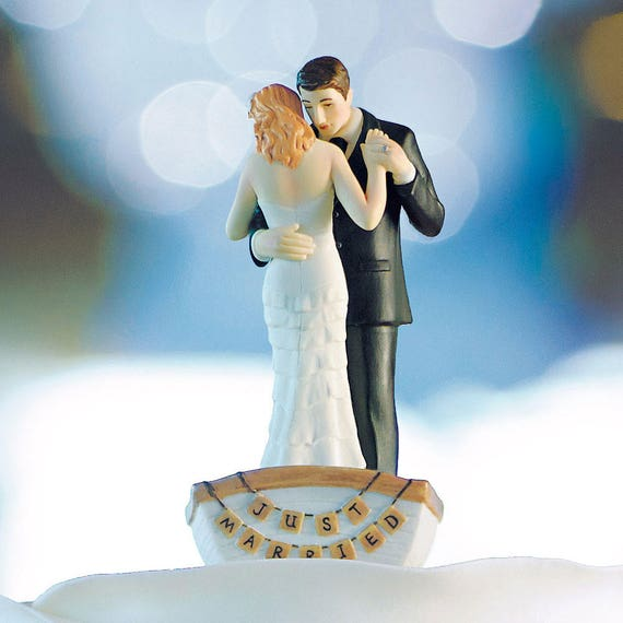 Wedding Cake Topper Couple in Row Boat, Wedding Cake Top Decorations, Wedding Figurines, Wedding Cake Topper, Unique Wedding Cake Tops