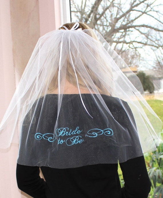 Bride to Be Veil, Bridal Shower Props, Bride to Be Bridal Veil, Fake Wedding Veil, Party Props for Bridal Showers, Bride to Be Head Veil