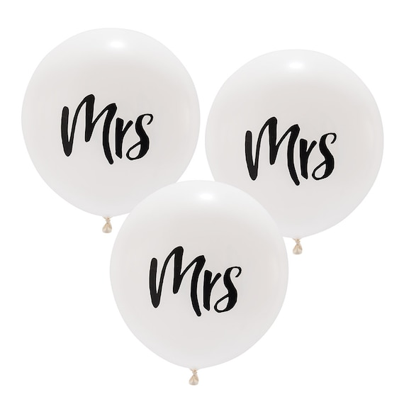 3 Mrs Wedding Balloons, 3 White Wedding Balloons with Mrs Signage, Wedding Decorations Balloons, 17 Inch Balloons