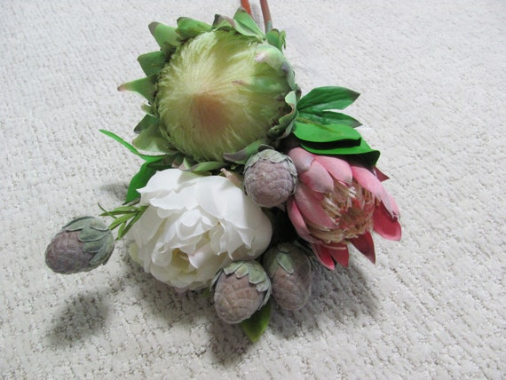 Trending Wedding Flowers, Protea Flowers, Peony, Artifical Flowers, Flowers to Add In to Your Bridal Bouquet