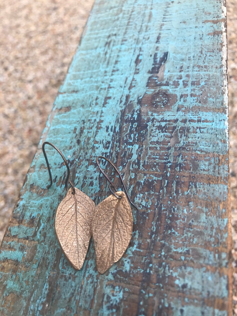 Leaf earrings image 0