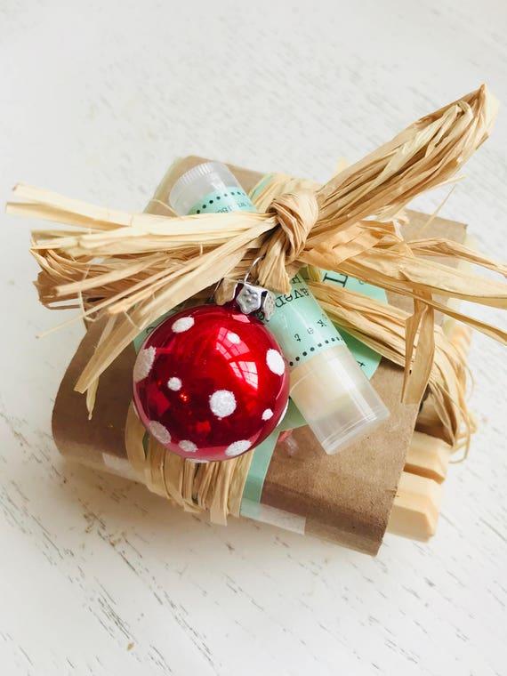 HOLIDAY SOAP SET - Christmas Soap Set - Soap Set - Handmade Holiday Soap Set - gift soap set - hostess gift - soap