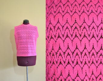 1960s Vintage Exclusive Imports Bright Pink Knit Sleeveless Shell Top size L bust 38