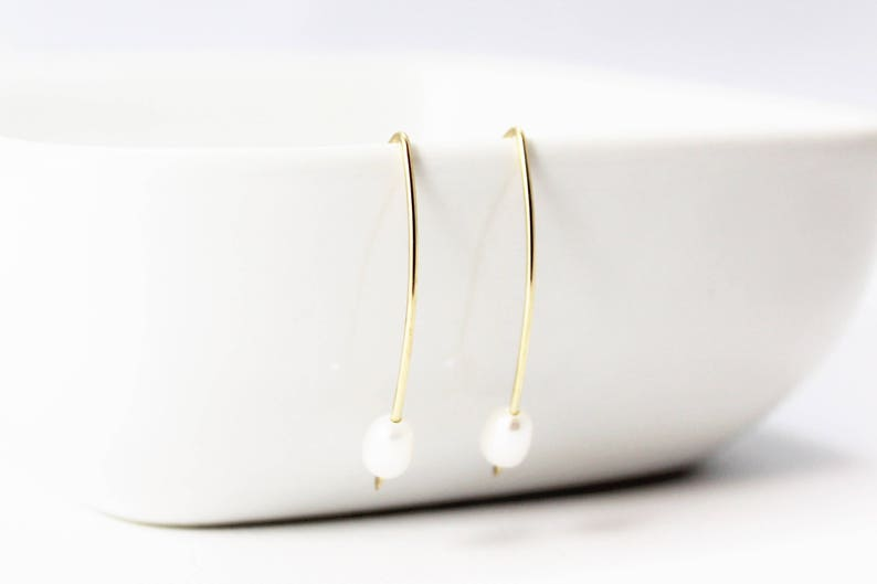 Freshwater Pearl 14k Gold Filled Earrings / Modern Simplicity image 0