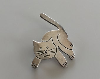 Vintage 1960s MEXICAN Sterling Cat Pin