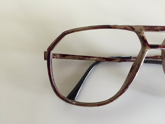 Vintage 60s Thin Brown Marbled Frame Eyeglasses
