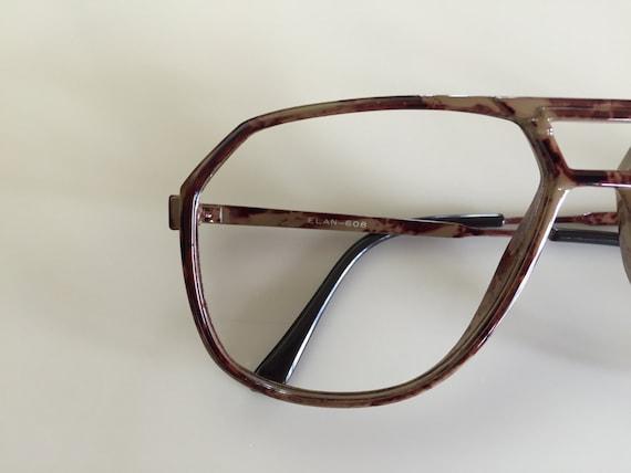 Vintage 60s Thin Brown Marbled Frame Eyeglasses