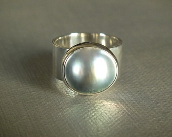 Tahitian Mabe Pearl Sterling Silver Ring Handmade Size 7 3/4 wide Metalsmith James Blanchard Free Sizing