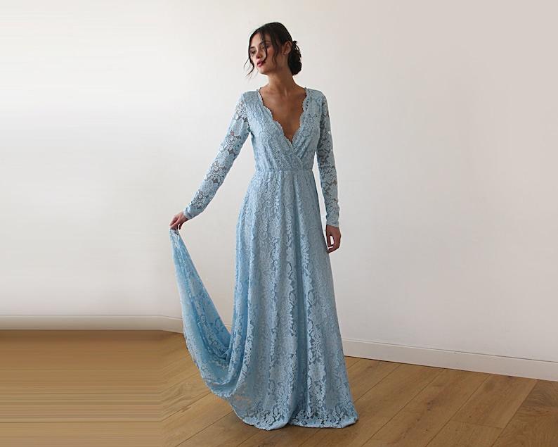 Licht Blauwe Jurk : Licht blauwe wrap floral lace lange mouwen jurk met een trein etsy