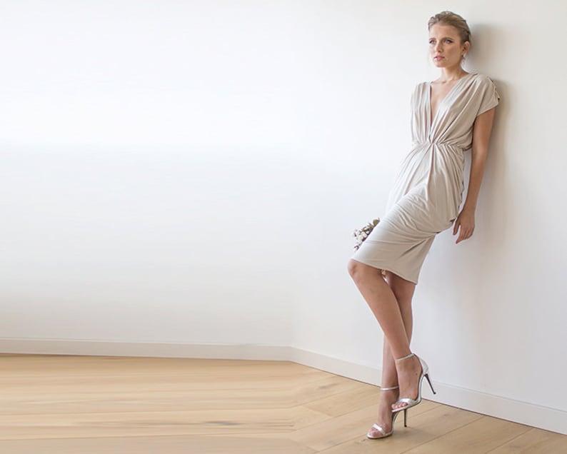 a55edea6bf6c1d Bruiloft jurk Champagne knie lengte jurk korte bruidsmeisjes
